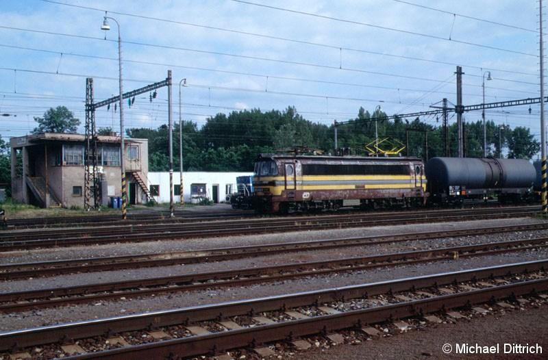 Bild: 230 031 mit einem Güterzug auf den Weg Richtung Tschechien.