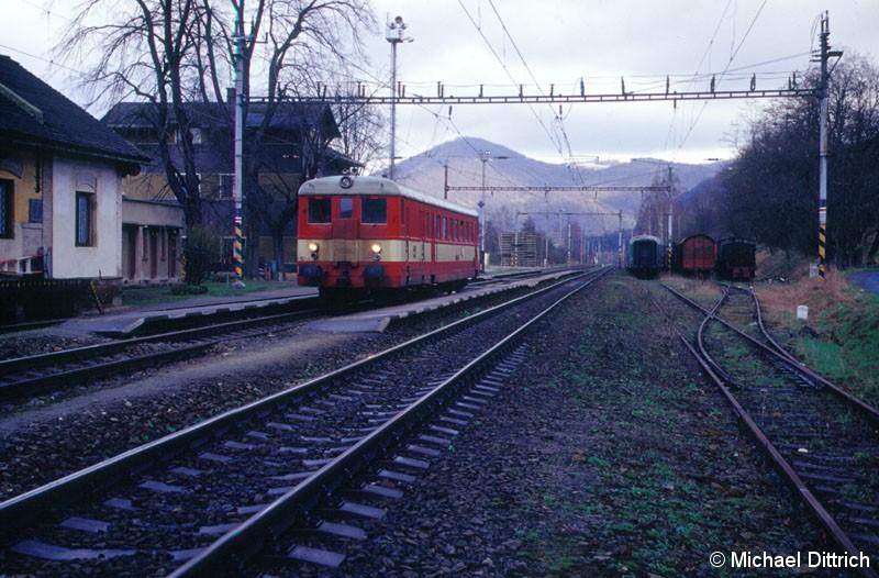 Bild: 830 157 auf dem Weg nach Usti nad Labem.