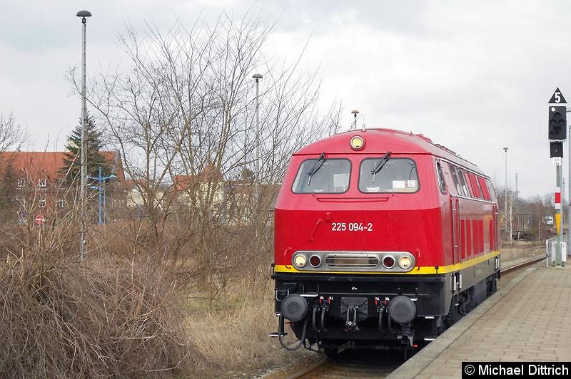 Bild: 225 094 als Rangierfahrt in Stendal.