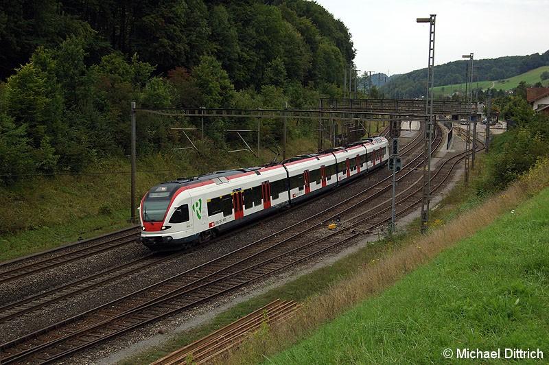 Bild: 521 006 hat den Bahnhof Tecknau als S3 nach Olten durchfahren.