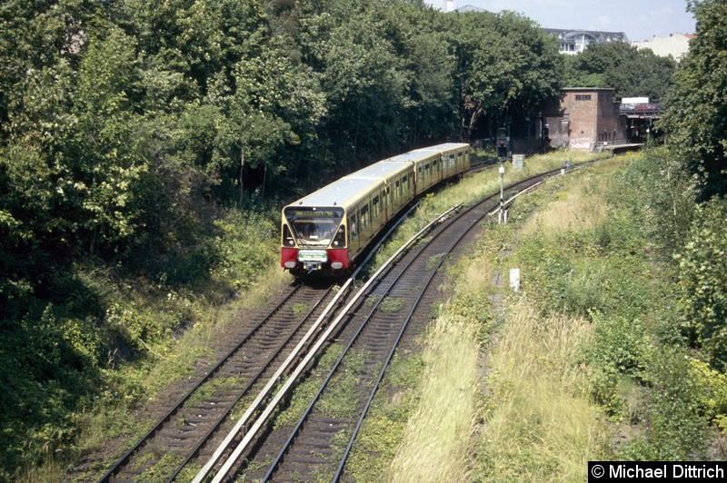 Bild: 480 005 hat den Bahnhof Humboldhain verlassen und ist auf dem Weg nach Nordbahnhof.