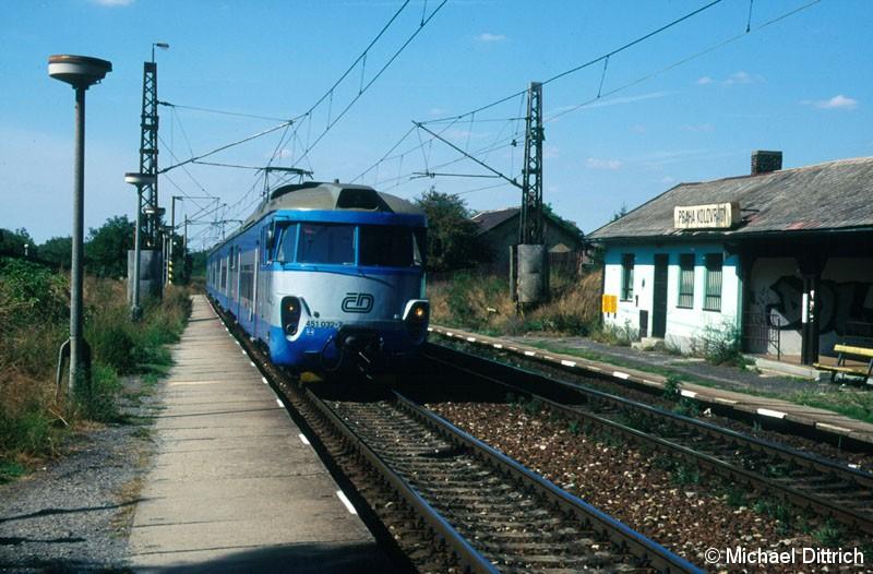 Bild: Als Os 9151 kam hier der 451 032 in Praha Kolovraty an.