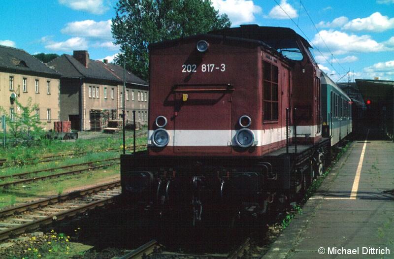 Bild: Abfahrbereit steht die 202 817 in Bad Schandau.
