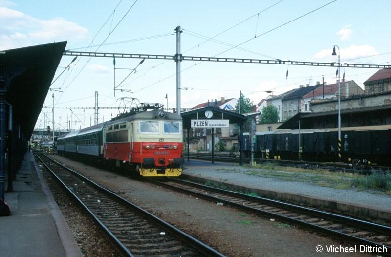 Bild: 242 237 in Plzen hl. n.