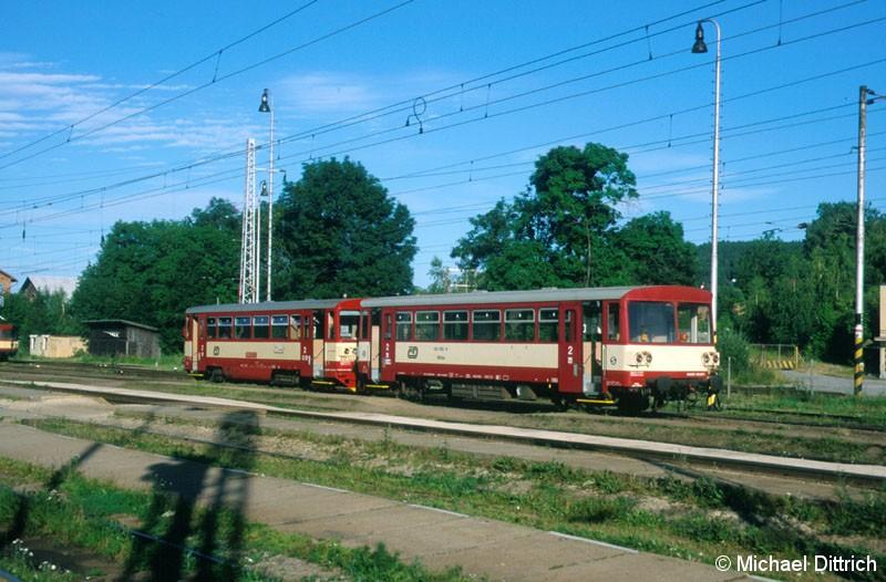 Bild: In Strakonice angekommen ist der 810 522.