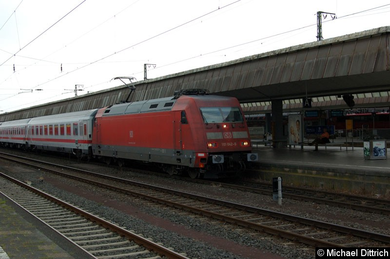 Bild: 101 042 mit einem IC in Münster Hbf.