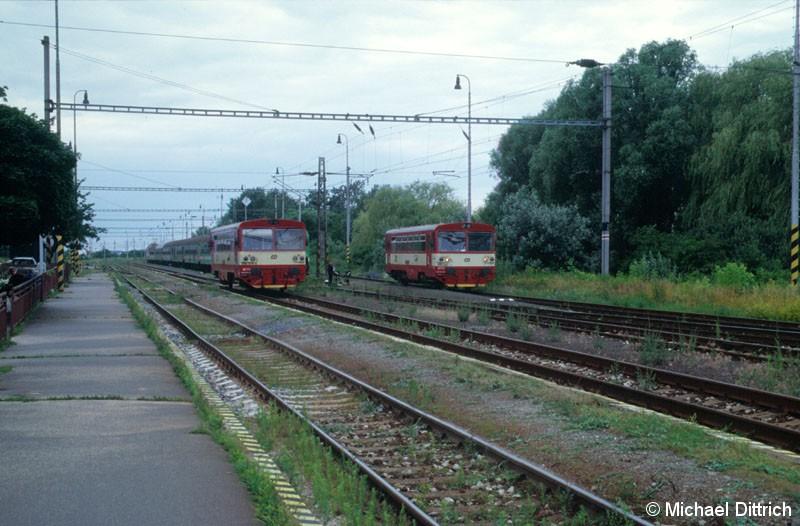 Bild: Hier stehen der 810 290 und der 810 614 neben einander.