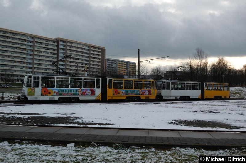 Bild: KT4D 306+305 in der Abfahrthaltestelle Brüte.