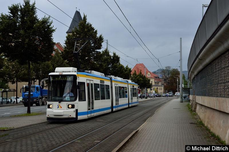 Bild: 617 als Linie 2 kurz hinter der Haltestelle Paradiesbahnhof West.