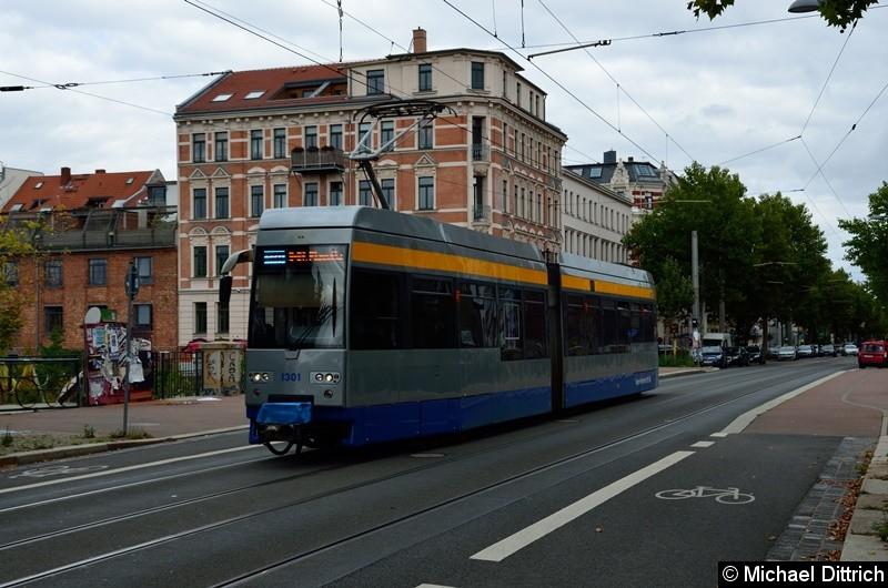 Bild: Der Prototyp der Leoliner 1301 als Linie 14 in der Karl-Heine-Str. auf der Brücke über dem gleichnamigen Kanal.