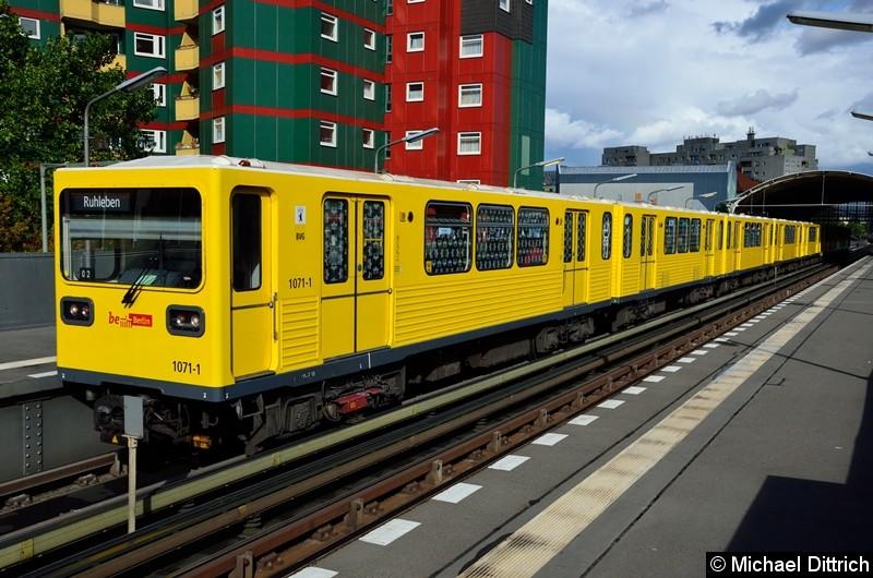Bild: 1071 als U12/2 im Bahnhof Prinzenstr.