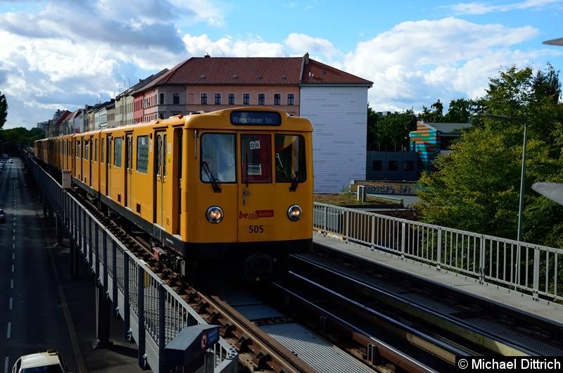 Bild: 505 an der Spitze des Zuges U12/6 bei der Einfahrt in Prinzenstr.
