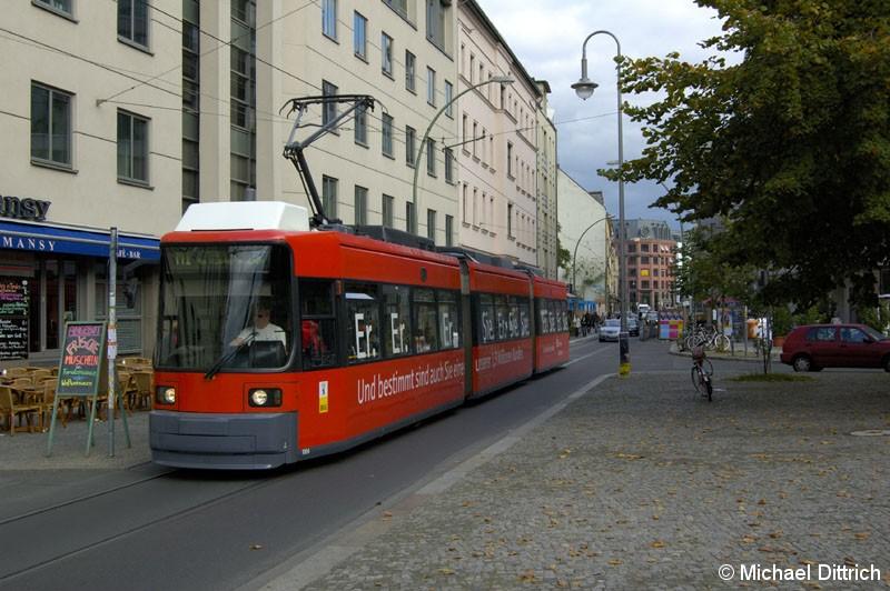 Bild: 1004 als Linie M1 an der Haltestelle Monbijouplatz.
