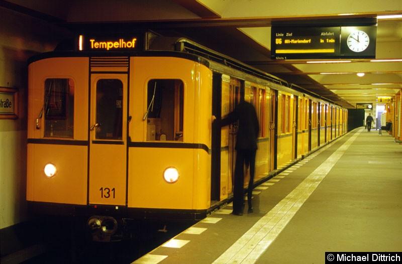 Bild: Museumszug 131 auf dem Bahnhof Zinnowitzer Str.