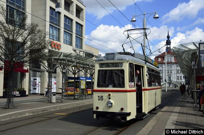Bild: Wagen 16 auf Wahlkampffahrt. Hier an der Haltestelle Heinrichstraße auf dem Weg zur Endstelle Untermhaus.