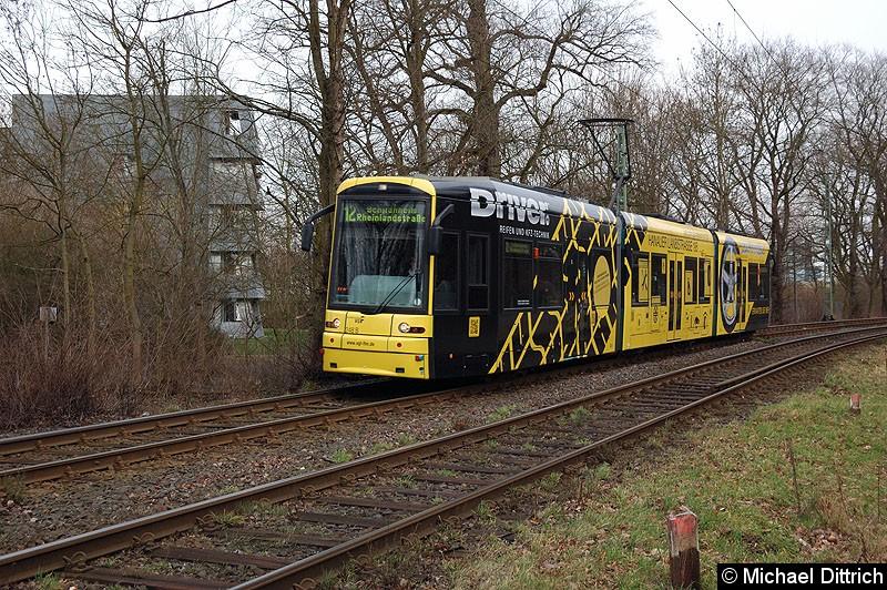 Bild: 248 als Linie 12 zwischen den Haltestellen Waldau und Waldfriedhof Goldstein.
