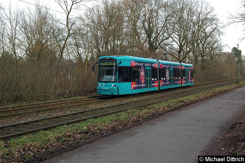 Bild: 243 als Linie 12 zwischen den Haltestellen Waldau und Waldfriedhof Goldstein.