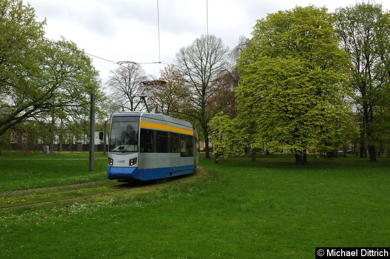 Bild: 1305 als Linie 2 in der Wendeschleife Naunhofer Str.