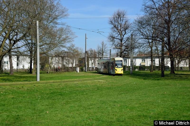 Bild: 1321 als Linie 2 in der Wendeschleife Naunhofer Str.