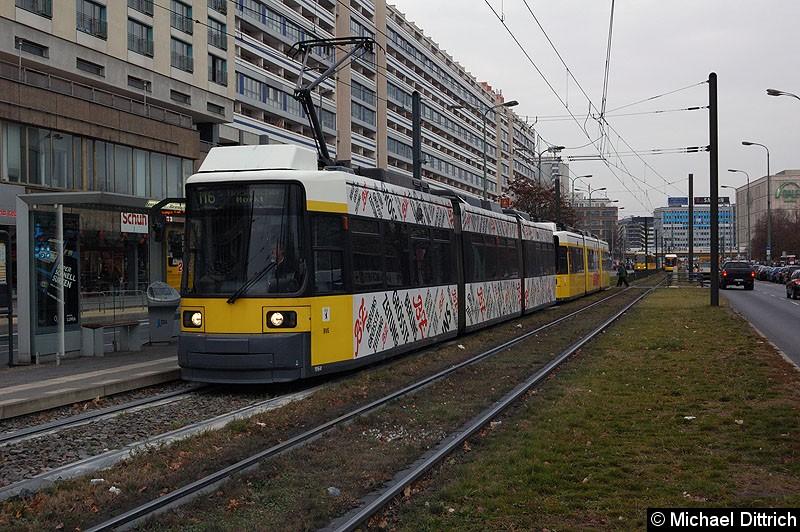 Bild: 1064 als Linie M6 an der Haltestelle Spandauer Str./Marienkirche.
