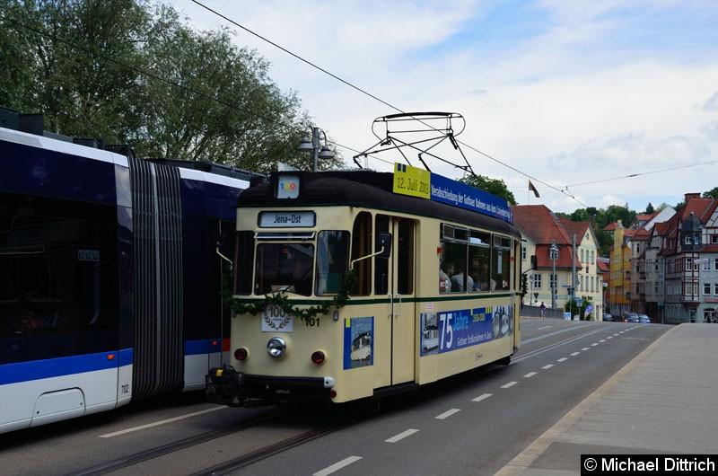 Bild: Anlässlich 100 Jahre Strecke nach Jena Ost fuhren in Jena die historischen Wagen. Hier der Wagen 101 zwischen Haltestellen Steinweg und Geschwister-Scholl-Str.