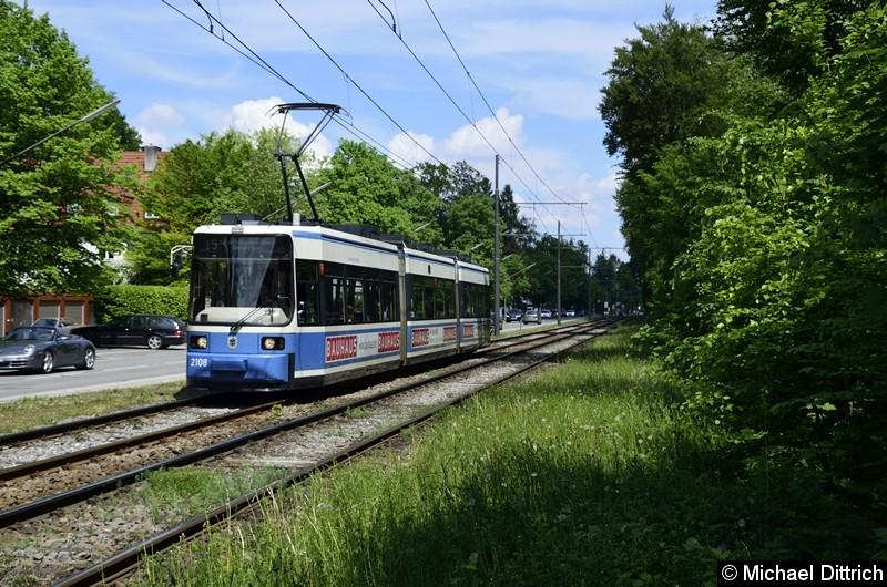 Bild: 2108 als Linie 15 zwischen den Haltestellen Klinikum Harlaching und Menterschwaige.