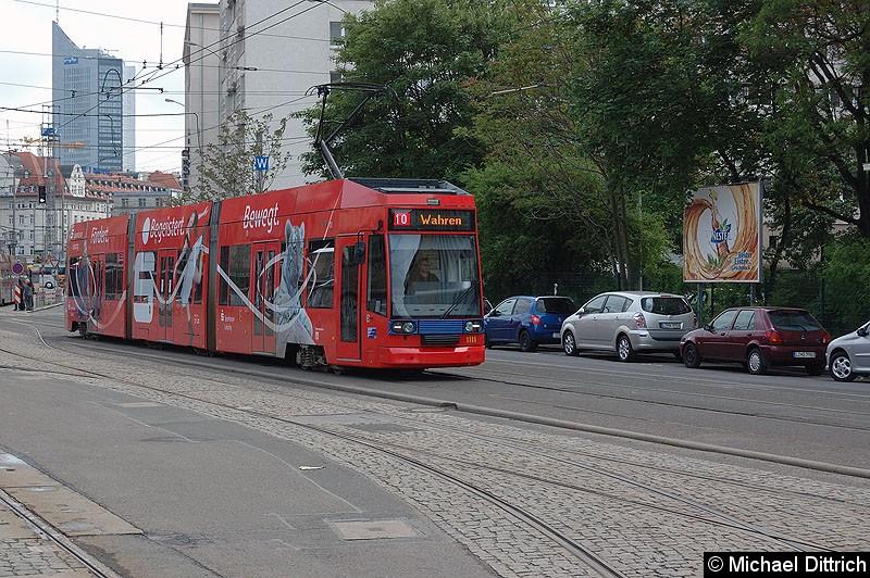 Bild: 1111 als Linie 10 kurz hinter dem Hauptbahnhof.