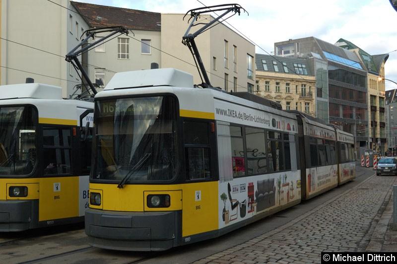 Bild: 1083 als Linie M6 in der Großen Präsidentenstraße.