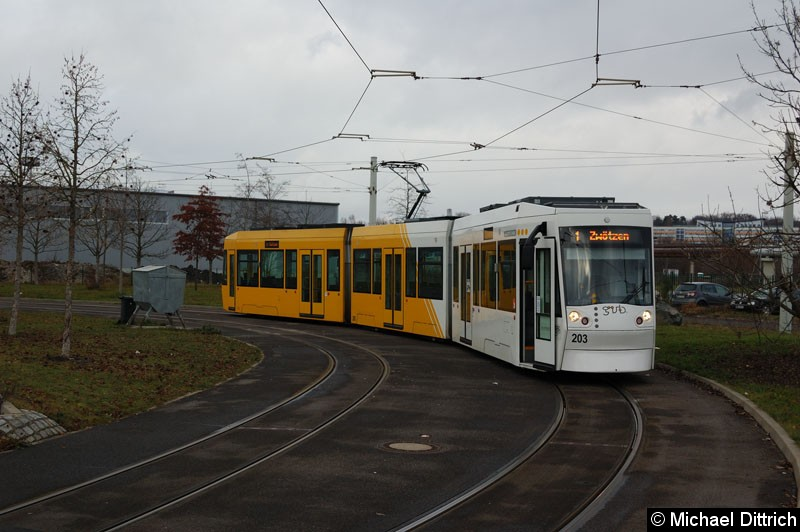 Bild: NGT8G 203 in der Wendeschleife Untermhaus.