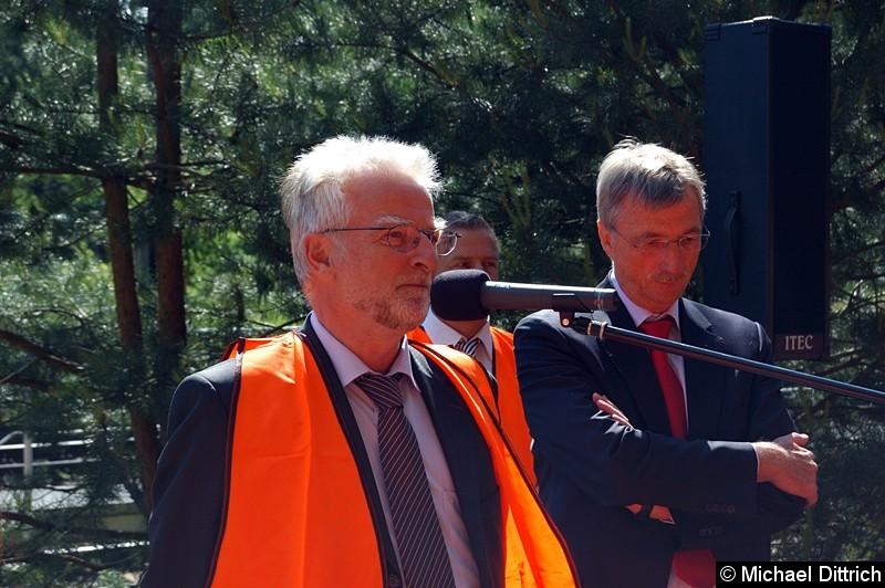 Bild: Ansprache des Geschäftsführers der Münchner Verkehrsbetriebe Herbert König.
