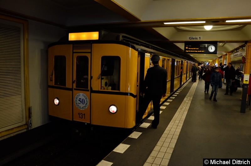 Bild: 131 als Sonderfahrt im Bahnhof Naturkundemuseum.