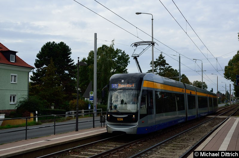 Bild: 1226 als Linie 15 in der Haltestelle Roseggerstr.