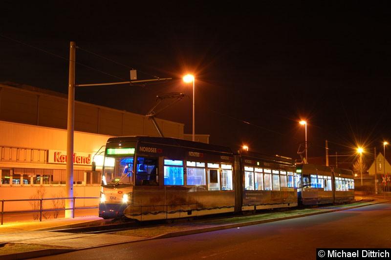 Bild: 1312 als Linie 7 an der Haltestelle Sommerfeld.