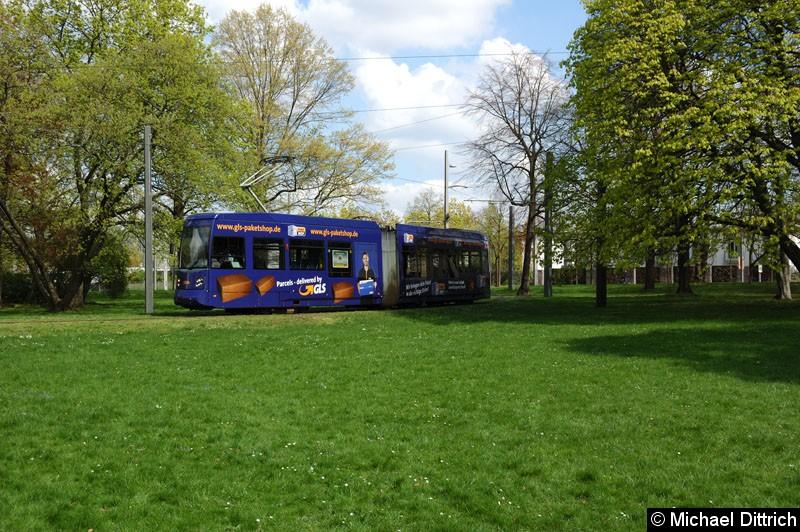 Bild: 1314 als Linie 2 im Park an der Naunhofer Str.