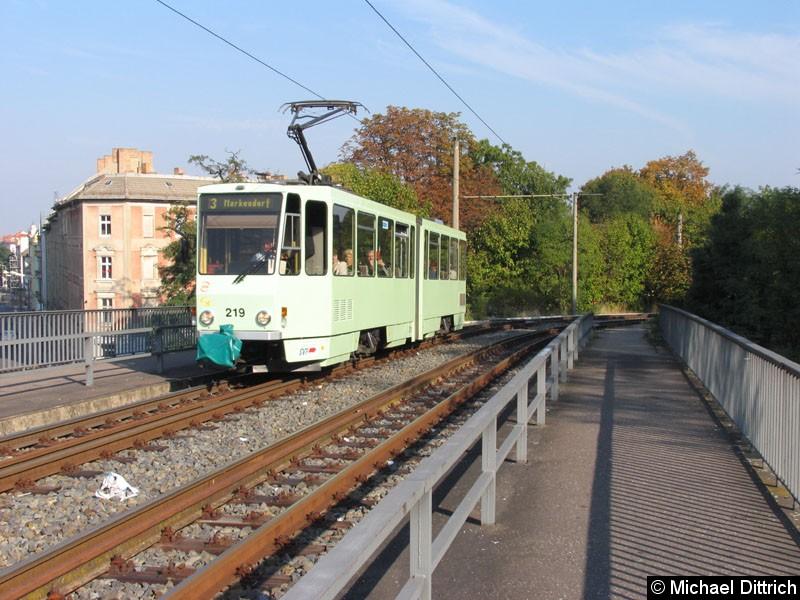 Bild: Der 219 ist auch in der neuen Farbgebung unterwegs.