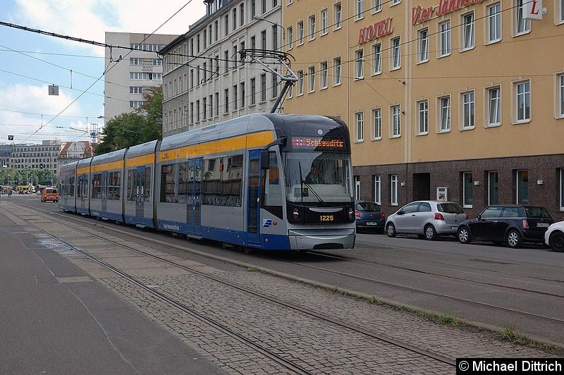 Bild: 1225 als Linie 11 hinter dem Hauptbahnhof.