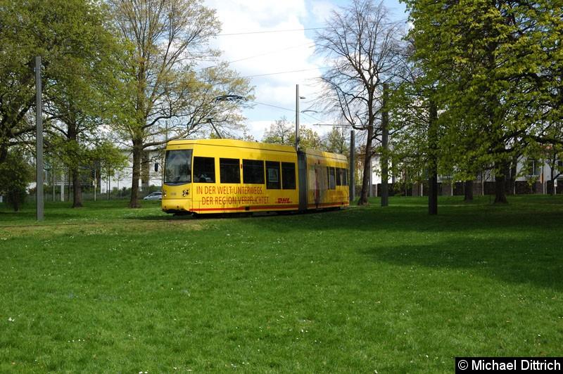 Bild: 1318 als Linie 2 im Park an der Naunhofer Str.