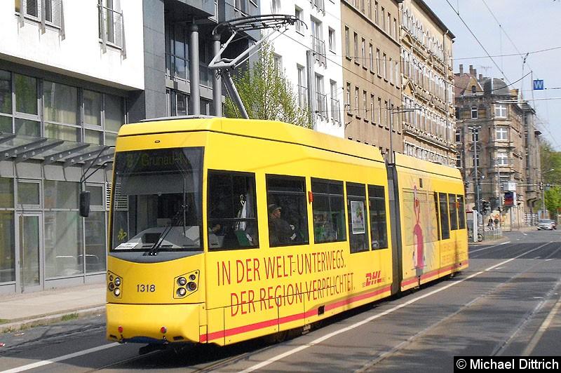 Bild: 1318 als Linie 8 hinter der Haltestelle Torgauer Platz.