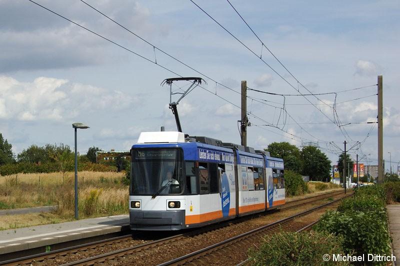 Bild: 1084 als Linie M6 an der Haltestelle Schalkauer Straße.