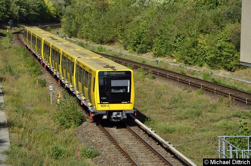 Bild: 1035 + 1034 erreicht gleich den Bahnhof Kienberg.
