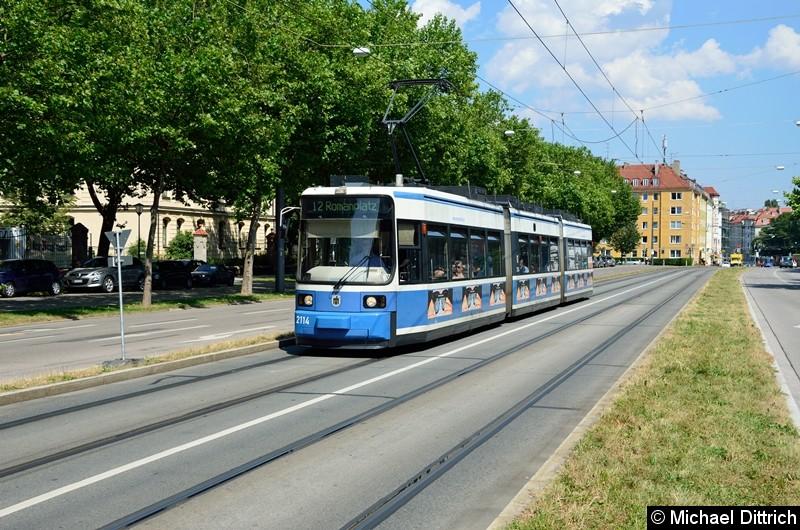 Bild: 2114 erreicht als Linie 12 in kürze die Haltestelle Barbarastr.
