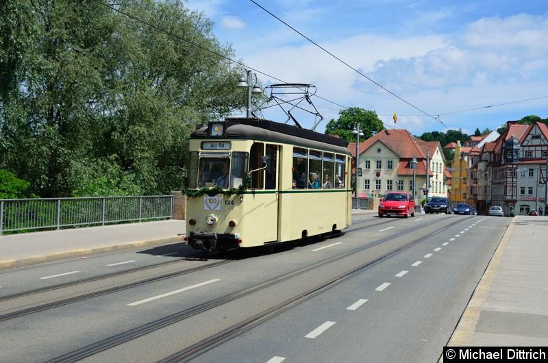 Bild: Anlässlich 100 Jahre Strecke nach Jena Ost fuhren in Jena die historischen Wagen. Hier der Wagen 134 zwischen Haltestellen Steinweg und Geschwister-Scholl-Str.