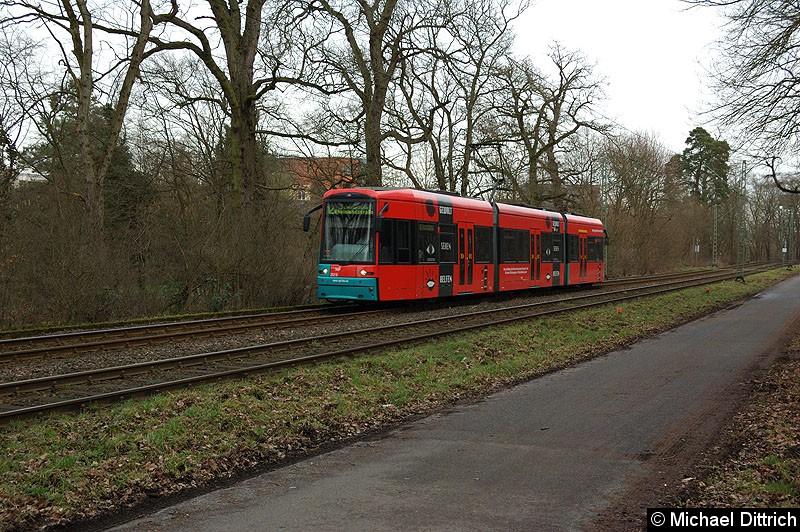Bild: 252 als Linie 12 zwischen den Haltestellen Waldau und Waldfriedhof Goldstein.