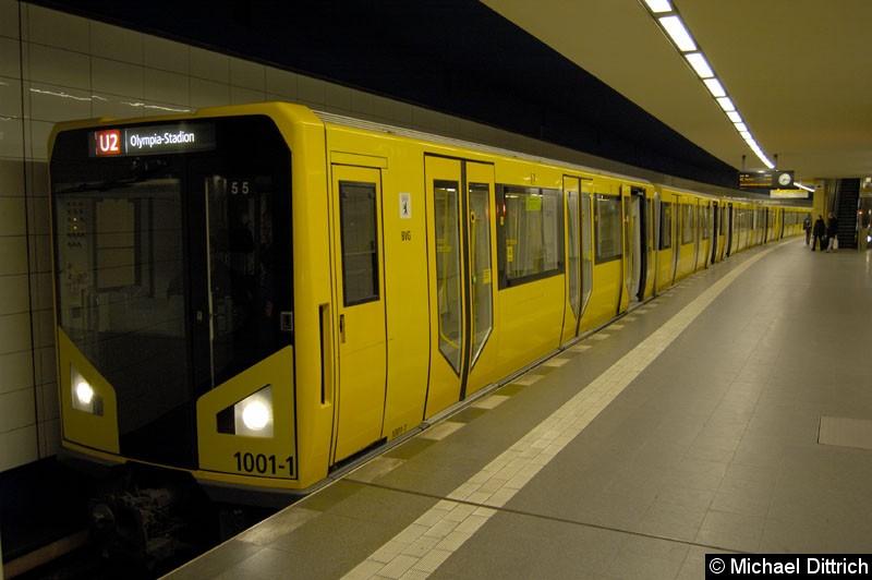 Bild: 1001-1 als U2 im Bahnhof Pankow.