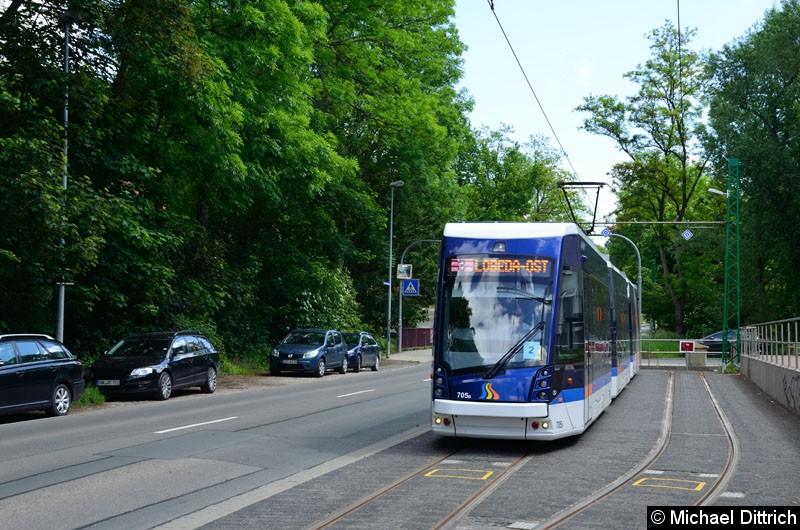 Bild: Wagen 705 in der Endstelle Jena-Ost.