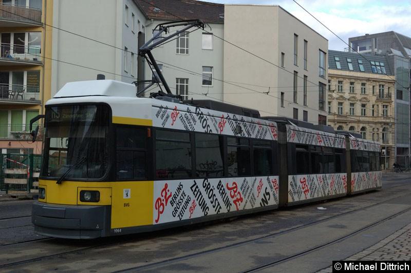 Bild: 1064 als Linie M5 in der Großen Präsidentenstraße.