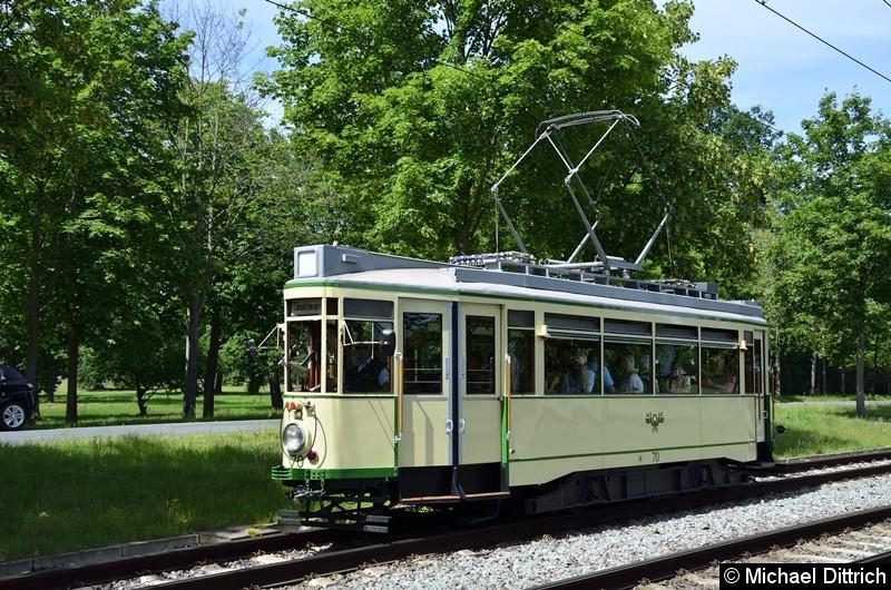 Der historische Triebwagen 70 bei seiner Abreise in Herrenkrug.