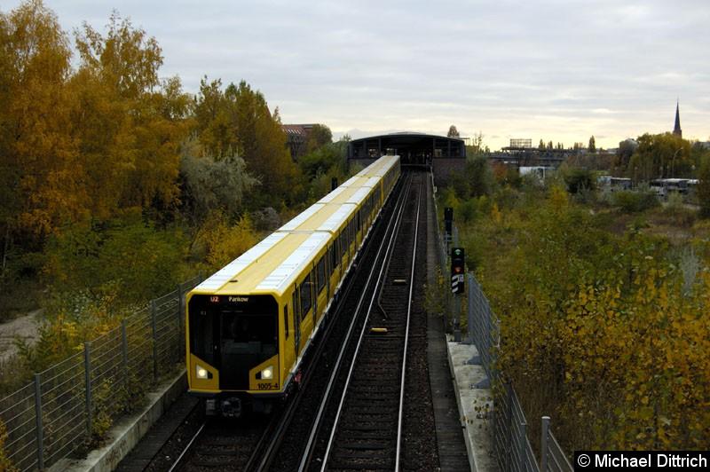 Bild: Geführt von 1005-4 fährt dieser Zug kurz vor dem Bahnhof Potsdamer Platz in den Tunnel rein.  Heute ist diese Aufnahme nicht mehr möglich.