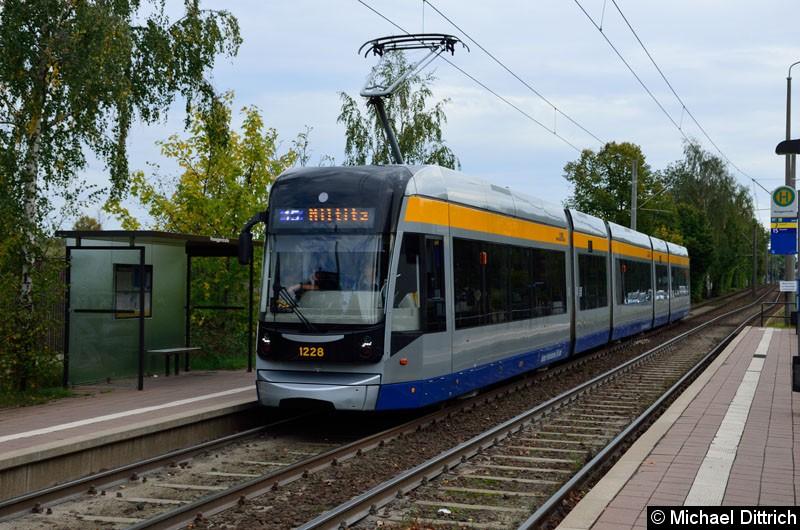Bild: 1228 als Linie 15 in der Haltestelle Roseggerstr.