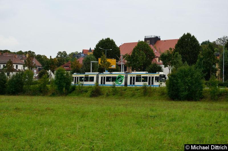 Bild: 602 als Linie 5 zwischen den Haltestellen Paradiesbahnhof und Jenertal.